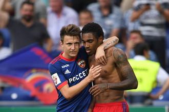 Александр Головин (слева) является ключевым футболистом ЦСКА в данный момент