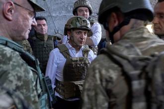 «Они воюют нелегально»: с кем повздорил Зеленский в Донбассе