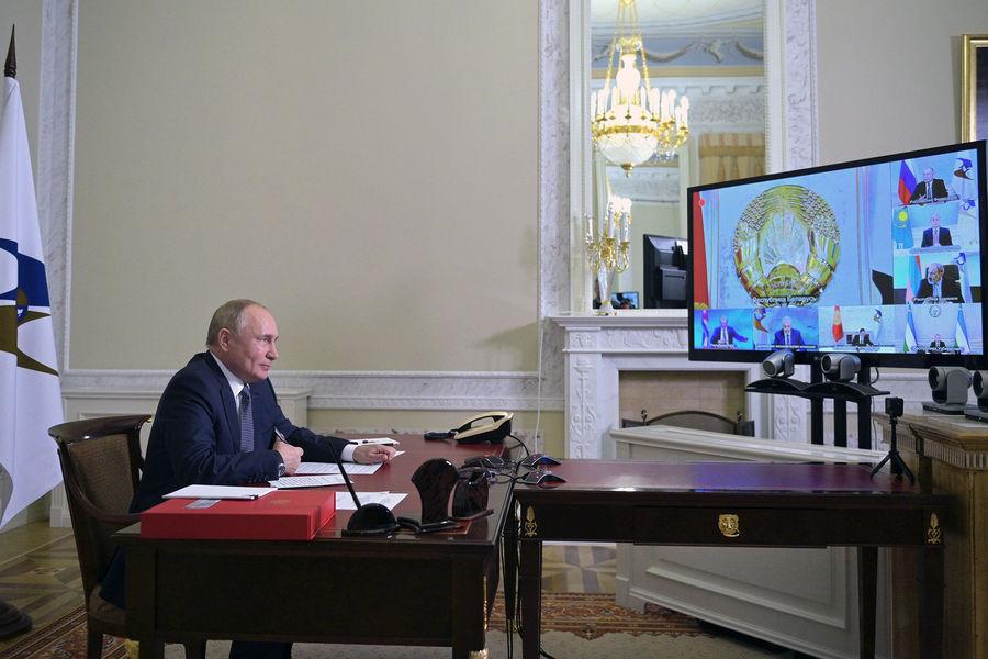 Президент РФ Владимир Путин принимает участие взаседании Высшего Евразийского экономического совета (ВЕЭС), 14октября 2021года