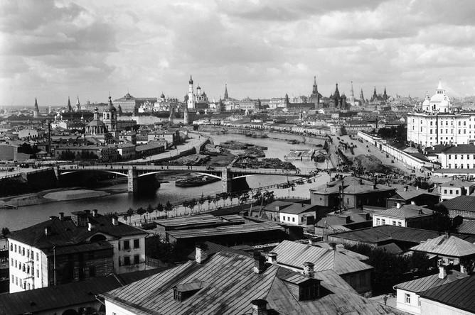 Петр Павлов. Панорама Москвы с юго-восточной стороны. 1890–1900-е