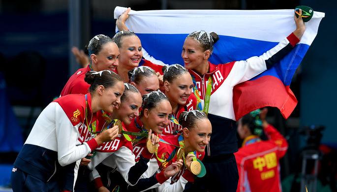 Спортсменки сборной России с золотыми медалями Рио-2016