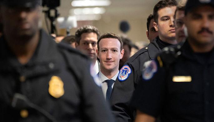 Основатель Facebook Марк Цукерберг накануне сенатских слушаний в Вашингтоне, 9 апреля 2018 года