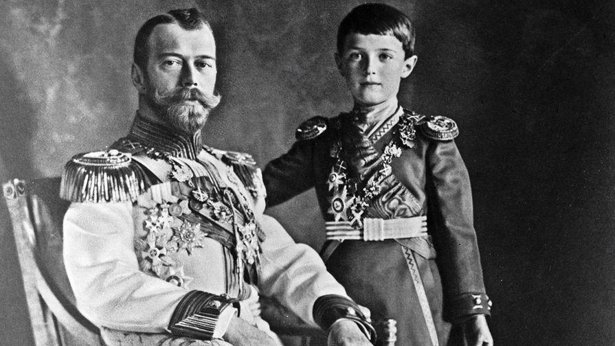 В Ессентуках нашли тайник с редкими фотографиями Николая II