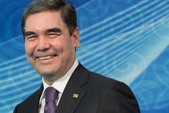 Президент Туркменистана Гурбангулы Бердымухамедов на церемонии встречи глав государств-участников V Каспийского саммита в Актау, 12 августа 2018 года