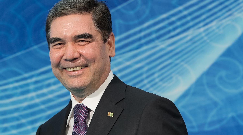 Президент Туркмении подвез Медведева на своей «Волге»