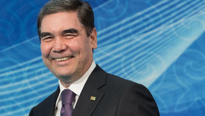 Глава Туркмении на велосипеде выстрелил «в яблочко»
