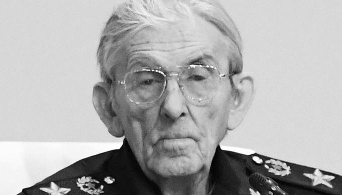 Погиб под колесами: скончался экс-замминистра обороны СССР