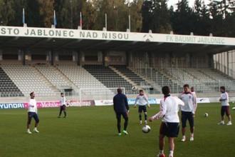 Тренировка молодежной сборной России на стадионе в Яблонеце