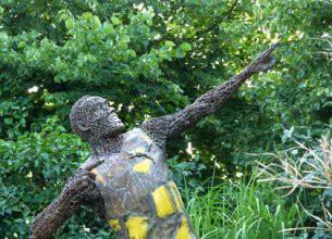 Берлинская скульптура ямайского спринтера Усэйна Болта
