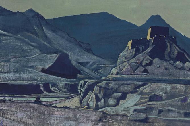 Картину Николая Рериха «Святыни и твердыни» аукцион Christie`s сумел продать за 482 тысячи фунтов — немногим ниже эстимейта (500–700 тысяч)