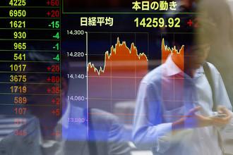 Японцы поддерживают курс премьер-министра страны Синдзо Абэ, названный абэномикой, хотя пока он приносит им одни проблемы