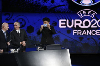 Ринат Дасаев на жеребьевке отборочного турнира чемпионата Европы по футболу 2016