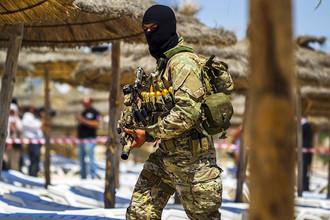 Спецназ Туниса на пляже у отеля Riu Imperial Marhaba