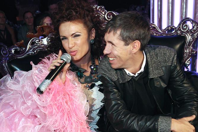 Алексей Панин с актрисой Эвелиной Бледанс на презентации её альбома «Главное-любить», 2009 год