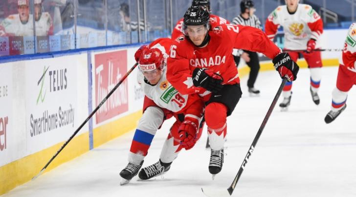 Эпизод матча Канада — Россия на молодежном чемпионате мира