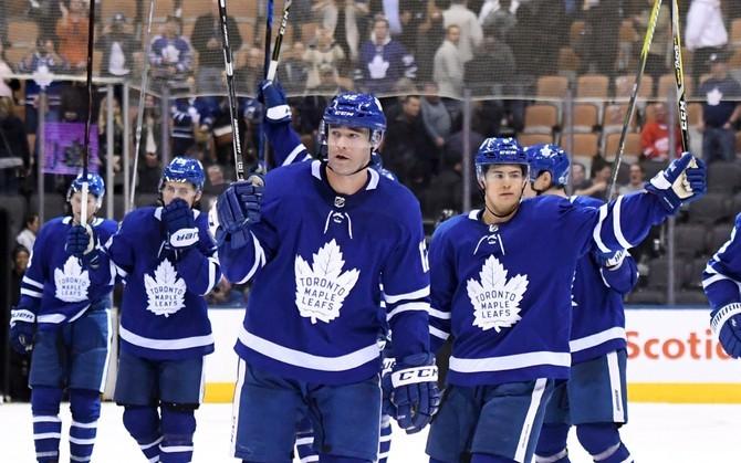Игроки клуба НХЛ «Торонто Мэйпл Лифс»