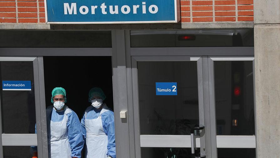«Теряем не голоса, а жизни»: как коронавирус разрывает Испанию