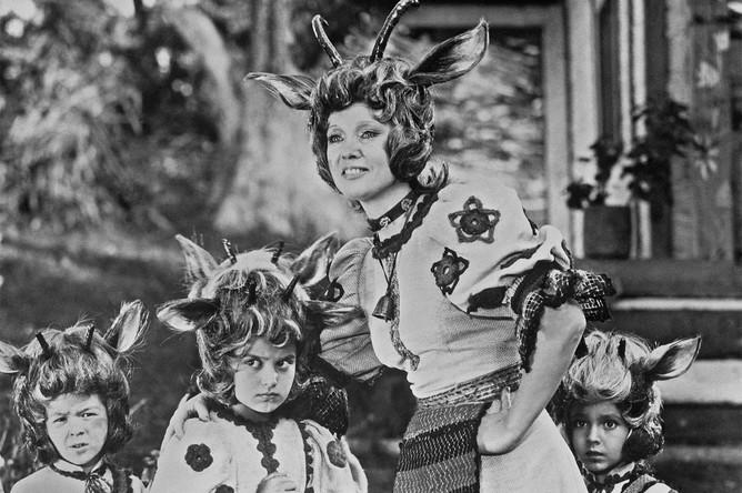 В музыкальной сказке «Мама» (1976), поставленном по мотивам «Волк и семеро козлят», Гурченко сыграла роль Матери-Козы