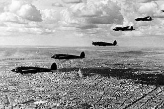 Формация немецких бомбардировщиков Хе-111