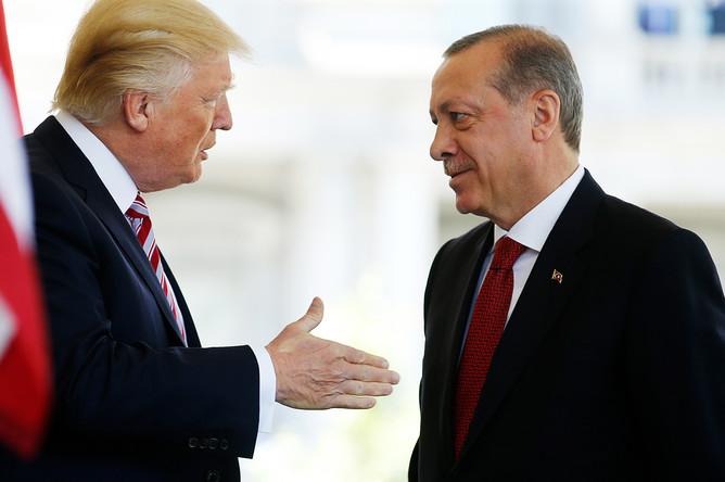 Президент США Дональд Трамп и президент Турции Реджеп Тайип Эрдоган во время встречи в Белом доме, 2017 год