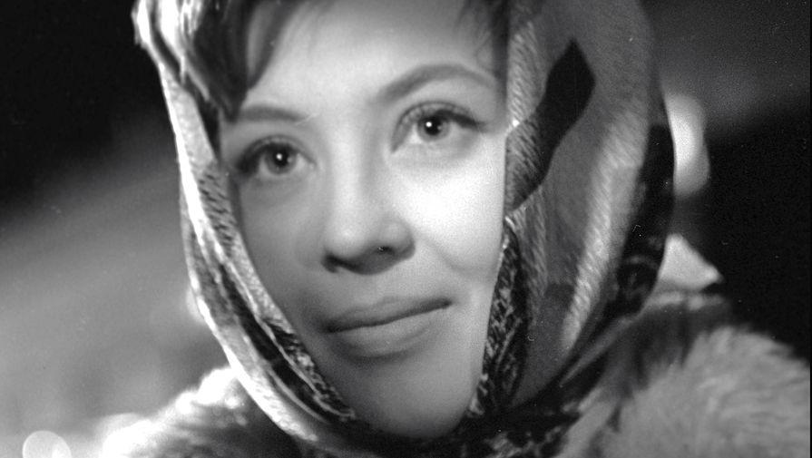 Нина Шацкая в сцене из фильма «Коллеги» (1962)