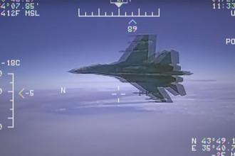 Су-27 сопроводил разведчика: Россия опасности не видит
