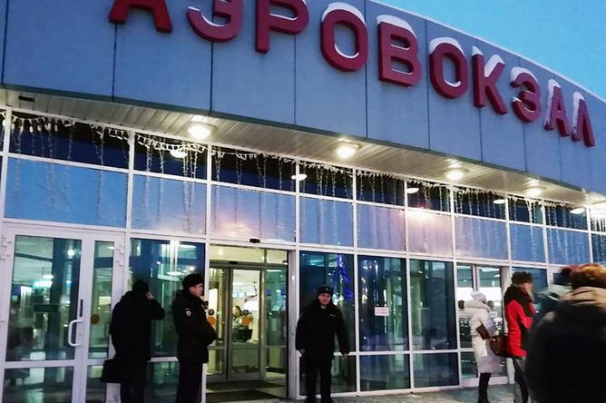Ситуация в аэропорту Ханты-Мансийска после экстренной посадки рейса SU1515 «Сургут — Москва», 22 января 2019 года