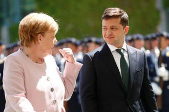 Канцлер ФРГ Ангела Меркель и президент Украины Владимир Зеленский во время встречи в Берлине, 18 июня 2019 года