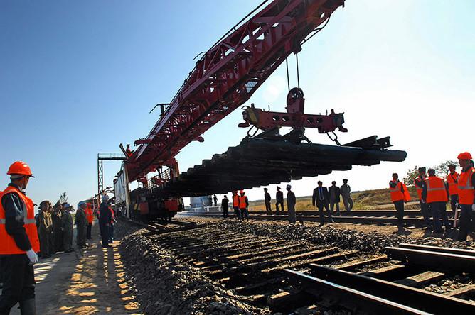 НПО «Мостовик» подпишет контракт на строительство железнодорожной магистрали «Кызыл- Курагино», сообщил информированный источник
