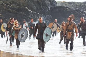 Сериал «Викинги» — полное странных допущений историческое фэнтези о легендарном вожде Рагнаре по прозвищу «Кожаные Штаны»