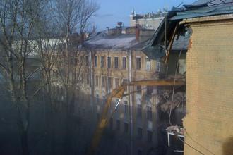 16 января начался снос одного из строений ансамбля Нирнзее