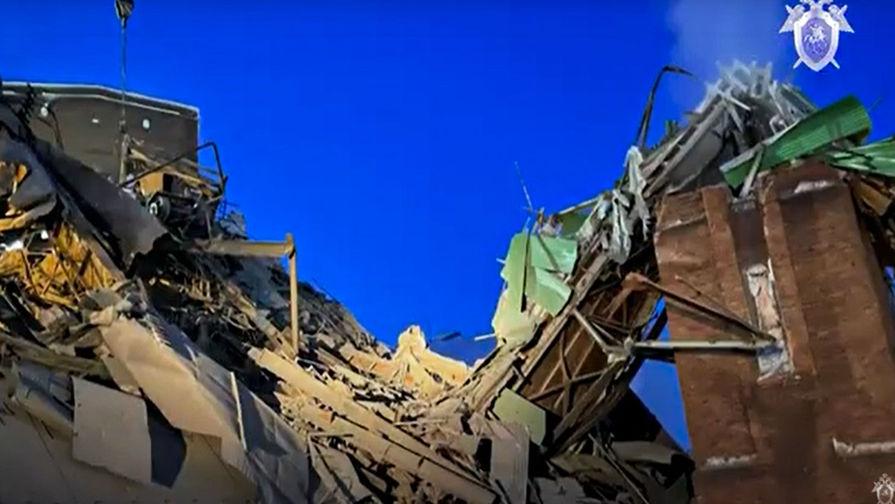 На месте обрушения галереи дробильного цеха на территории Норильской обогатительной фабрики, 20 февраля 2021 года