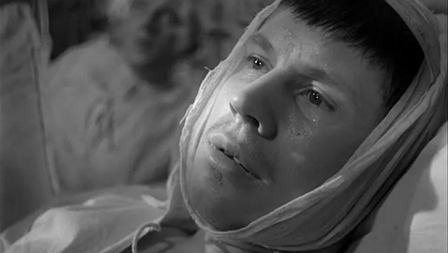 Николай Сморчков в кадре из фильма «Летят журавли», 1957 год