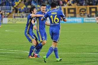 Экс-игроки «Рубина» Сердар Азмун (слева) и Кристиан Нобоа (справа) огорчили свою бывшую команду в майках «Ростова»