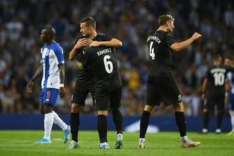 Игроки «Краснодара» радуются победе в матче 3-го отборочного раунда Лиги Чемпионов УЕФА против «Порту»