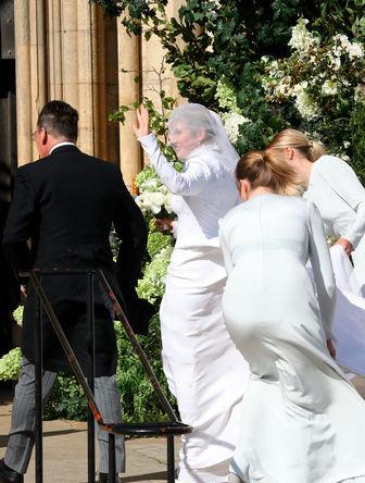 Элли Голдинг перед свадебной церемонией