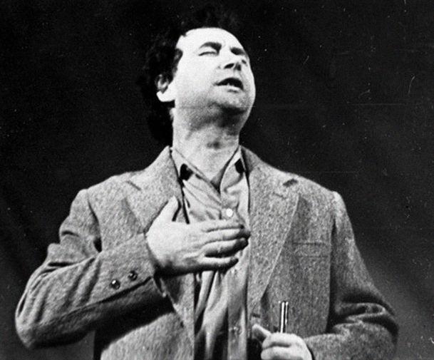 Владимир Михайловский в спектакле ленинградского Театра Комедии «Концерт для?» по Михаилу Жванецкому