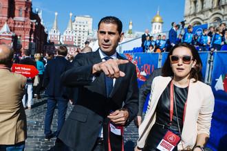 Торжественные мероприятия в честь запуска часов, отсчитывающих 1000 дней до чемпионата мира по футболу в 2018 году. Испанский футболист Фернандо Йерро