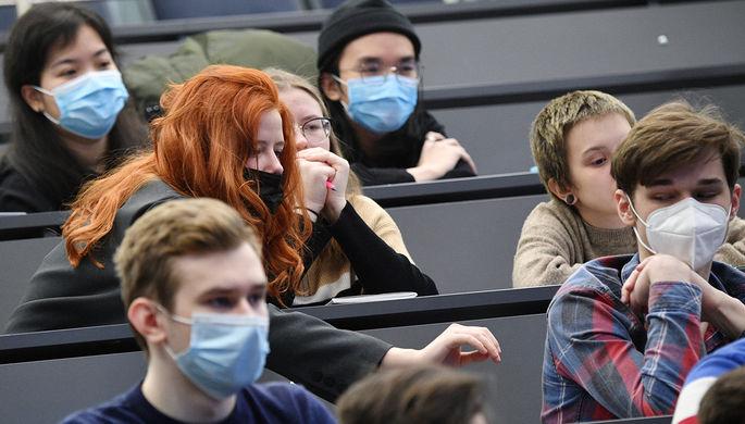 Отмена выпускных и рост заболеваемости: как меняется ситуация с коронавирусом в России