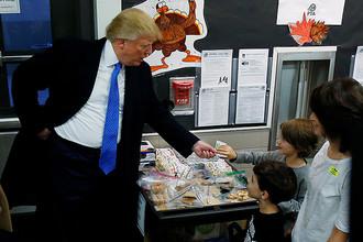 Кандидат в президенты США Дональд Трамп в день выборов на участке в Нью-Йорке, 8 ноября 2016 года