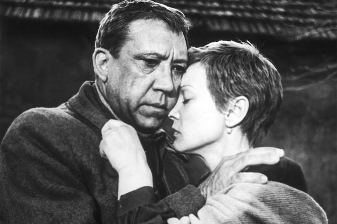 Фильм Алексея Германа «Двадцать дней без войны» (1976) показал драматический талант Гурченко, а ее партнером в картине был Юрий Никулин