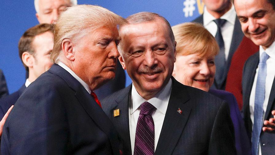 Президент США Дональд Трамп и президент Турции Реджеп Тайип Эрдоган во время саммита НАТО в Великобритании, 4 декабря 2019 года