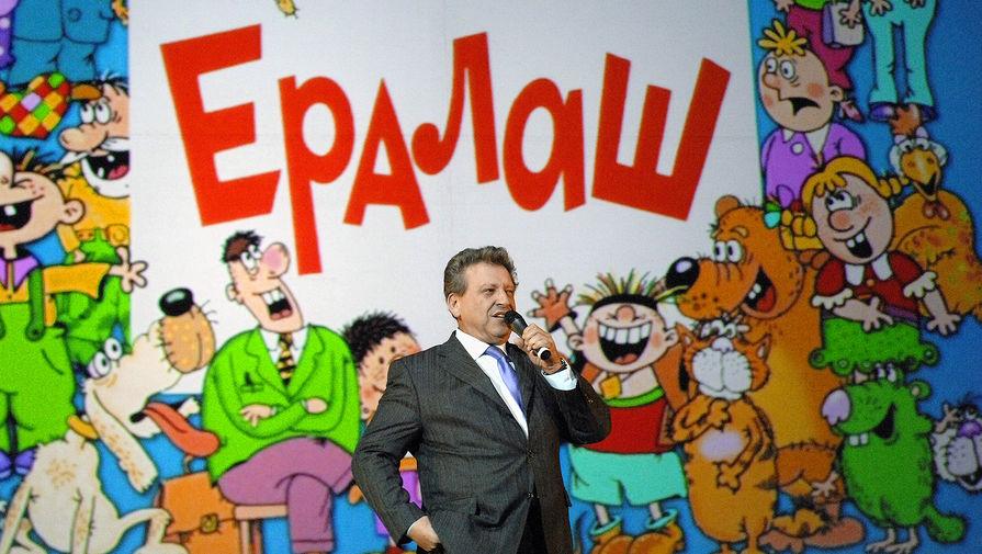 Борис Грачевский во время выступления на концерте в спорткомплексе ЦСКА, 2009 год