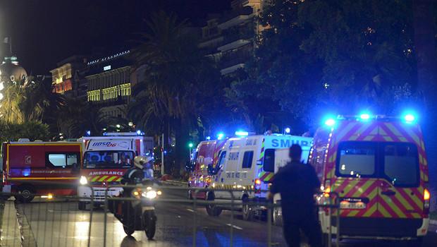 """""""Шарли Эбдо"""", """"Батаклан"""", Ницца: страшный список французских потерь от террора"""