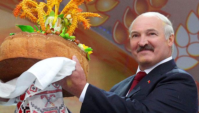 «Нет такого праздника»: зачем Лукашенко менял дату рождения
