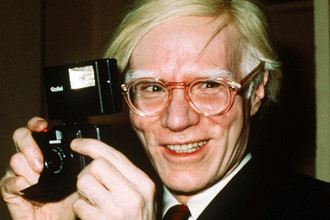 Энди Уорхол в 1976 году