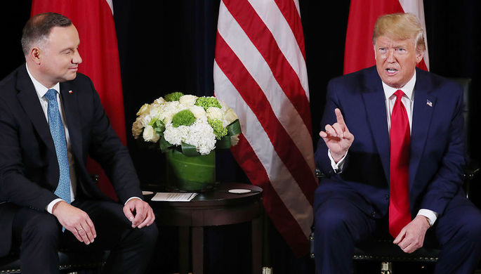 Президенты Польши и США Анджей Дуда и Дональд Трамп во время встречи в рамках Генассамблеи ООН в Нью-Йорке, 23 сентября 2019 года