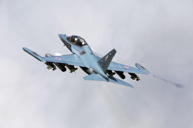 Россия не будет поставлять в Сирию новые вооружения (на фото учебно-боевой самолет Як-130)