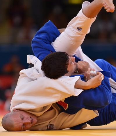 Хайбулаев вчетвертьфинальной схватке против чеха Лукаша Крпалека