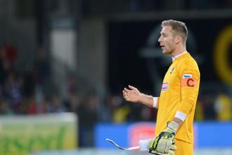 Голкипер «Фрайбурга» Оливер Бауман «привез» своей команде целых три гола